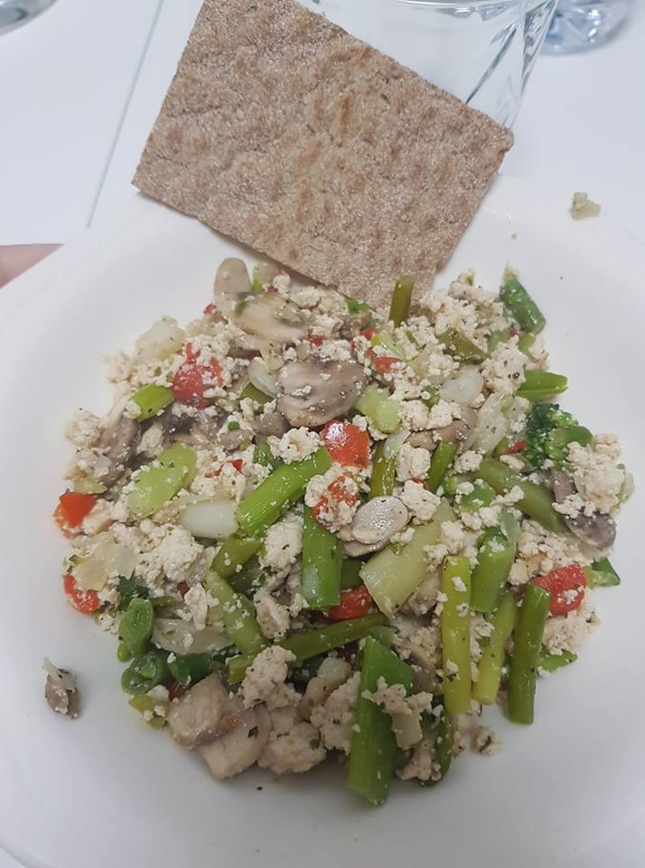 revuelto de tofu y verduras